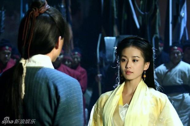 Fan Tân Ỷ Thiên Đồ Long Ký tranh cãi kịch liệt: Rốt cuộc ai mới là Cô Gái Đồ Long? - Ảnh 3.
