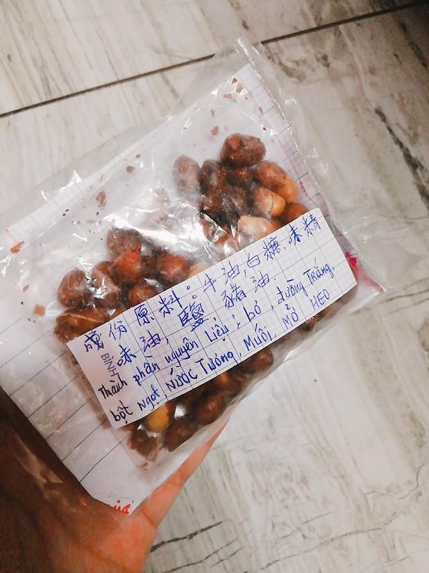 Chuyện gói đậu phộng vẽ tay giá 2 ngàn đồng của một người cha ở Sài Gòn: Chú sẽ ở đây, đợi các con trở về - Ảnh 2.