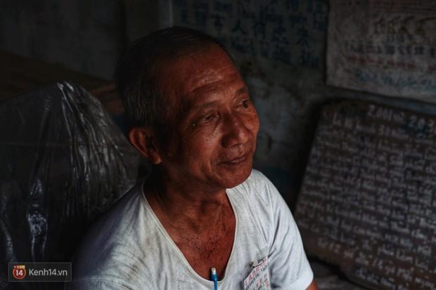 Chuyện gói đậu phộng vẽ tay giá 2 ngàn đồng của một người cha ở Sài Gòn: Chú sẽ ở đây, đợi các con trở về - Ảnh 10.