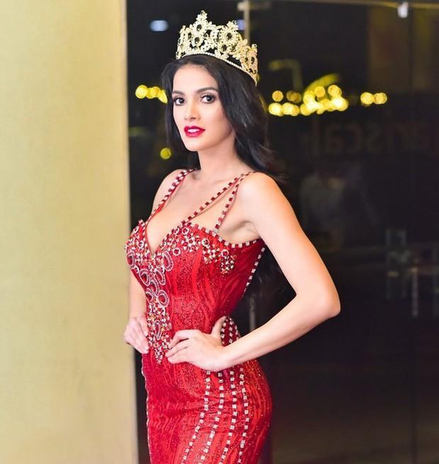 Hoa hậu Hòa bình thích gây chiến nhất lịch sử: Khinh thường Hoa hậu Trái đất, phản đối người chuyển giới dự thi - Ảnh 1.