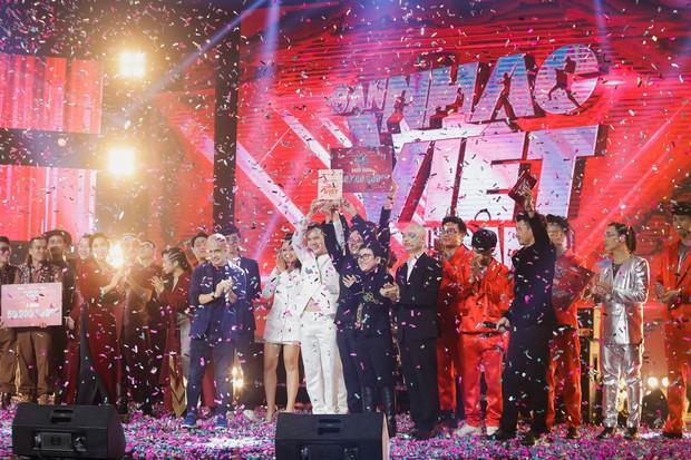 Học trò Nguyễn Hải Phong giành chiến thắng ở Ban nhạc Việt mùa 2 - Ảnh 2.