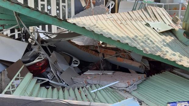 TP.HCM: Xe container tông sập 3 căn nhà có 14 người đang nằm ngủ - Ảnh 3.