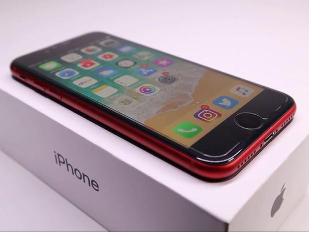YouTuber mua iPhone 8 đã hỏng với giá 200 USD, sửa xong đẹp không khác gì hàng mới 750 USD - Ảnh 9.