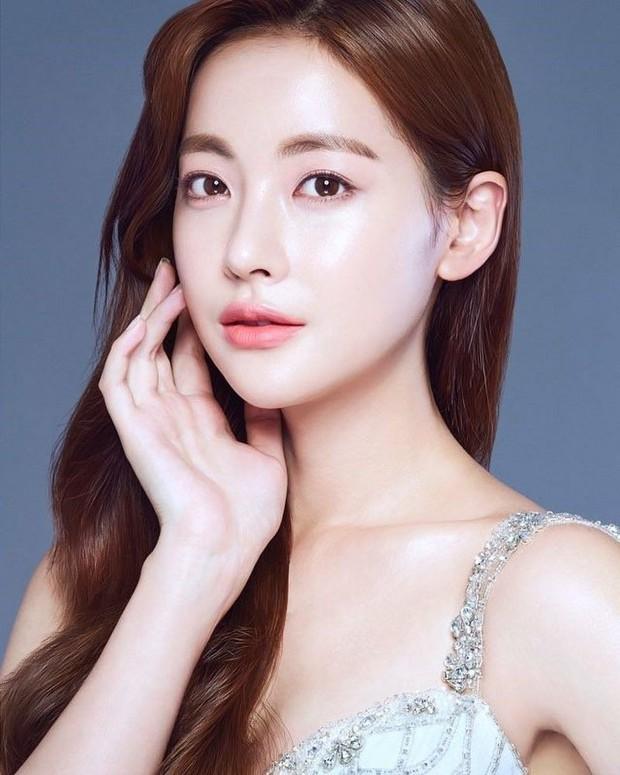 Dùng kem mắt từ năm 16 tuổi, bảo sao Oh Yeon Seo đã 31 tuổi mà vẫn trẻ trung, da dẻ không một nếp nhăn - Ảnh 5.
