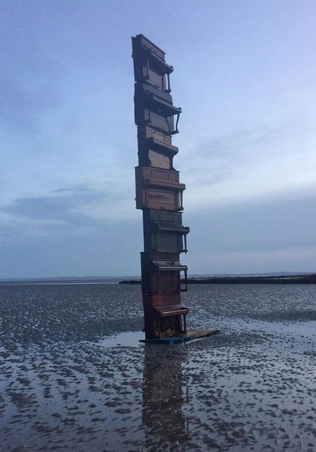 Chùm ảnh: Những tác phẩm nghệ thuật siêu thực nhất của tạo hóa và con người từng được tìm thấy ở bãi biển - Ảnh 18.