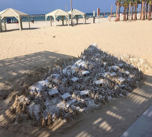 Chùm ảnh: Những tác phẩm nghệ thuật siêu thực nhất của tạo hóa và con người từng được tìm thấy ở bãi biển - Ảnh 30.