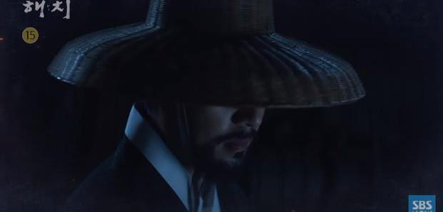Tưởng làm thái tử sang lắm, ai ngờ Jung Il Woo vẫn hoàn nhọ: Hết người yêu đi làm osin đến bố bị phát lộn thuốc! - Ảnh 5.