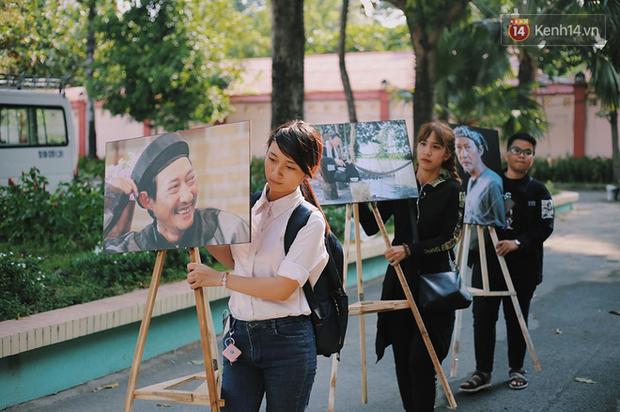 Hoa hậu Diễm Hương, MC Cát Tường và nhiều đồng nghiệp đến viếng đám tang cố nghệ sĩ Lê Bình - Ảnh 2.