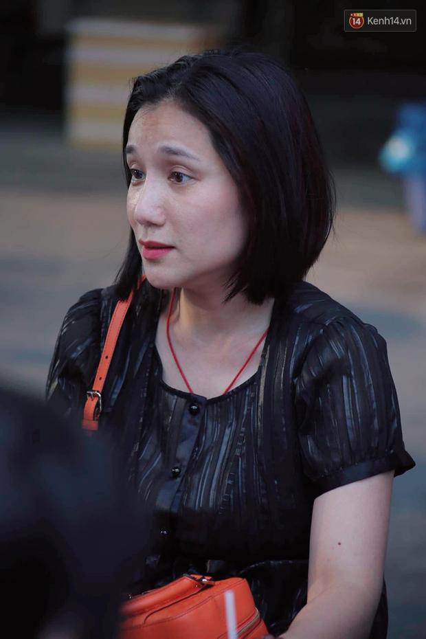 Hoa hậu Diễm Hương, MC Cát Tường và nhiều đồng nghiệp đến viếng đám tang cố nghệ sĩ Lê Bình - Ảnh 13.
