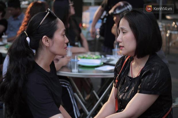 Hoa hậu Diễm Hương, MC Cát Tường và nhiều đồng nghiệp đến viếng đám tang cố nghệ sĩ Lê Bình - Ảnh 15.