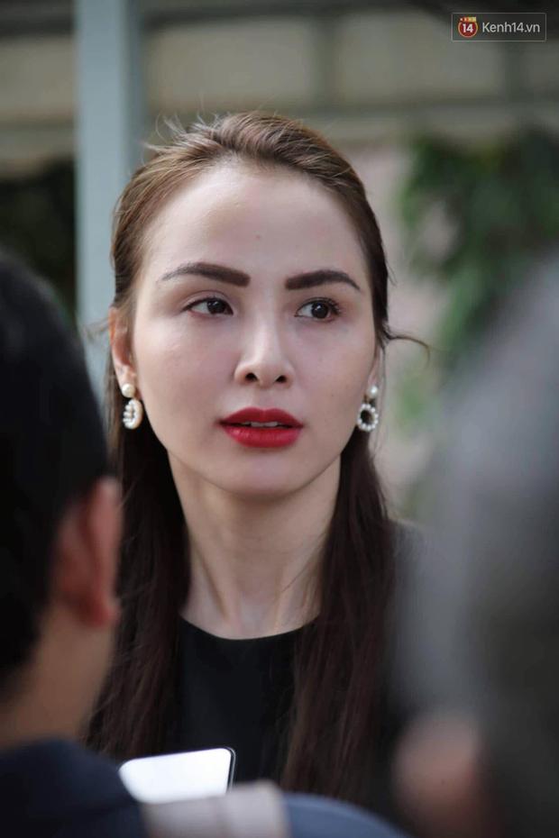 Hoa hậu Diễm Hương, MC Cát Tường và nhiều đồng nghiệp đến viếng đám tang cố nghệ sĩ Lê Bình - Ảnh 16.