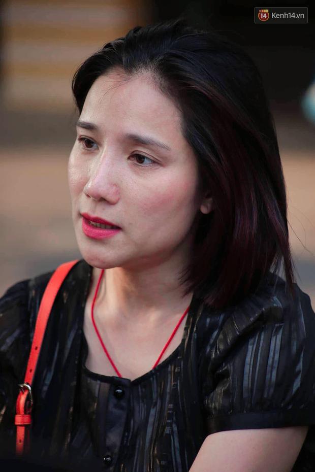 Hoa hậu Diễm Hương, MC Cát Tường và nhiều đồng nghiệp đến viếng đám tang cố nghệ sĩ Lê Bình - Ảnh 14.