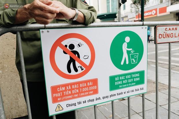 Người Hà Nội ủng hộ việc lắp camera ghi hình, phạt 7 triệu đồng hành vi xả rác ở phố đi bộ - Ảnh 2.