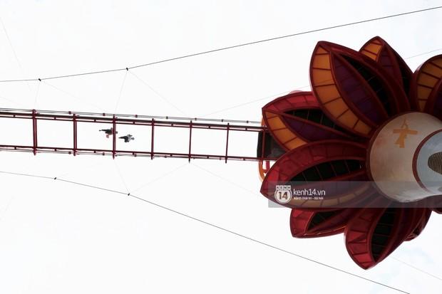 Khách du lịch lo sợ vì bị chụp lén từ dưới lên khi đi ngang cầu kính Mộc Châu - Ảnh 9.
