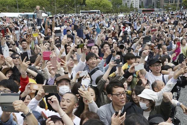 Ảnh: Thủ đô Tokyo náo nhiệt, trang nghiêm và đẹp như tranh vẽ trong ngày đầu tiên dưới thời Lệnh Hòa - Ảnh 7.