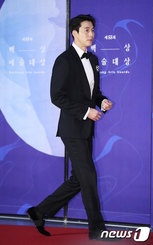 Siêu thảm đỏ khủng nhất lịch sử Baeksang: Suzy và IU xuất thần với đầm công chúa, Hyun Bin dẫn đầu 50 sao Hàn quyền lực - Ảnh 18.