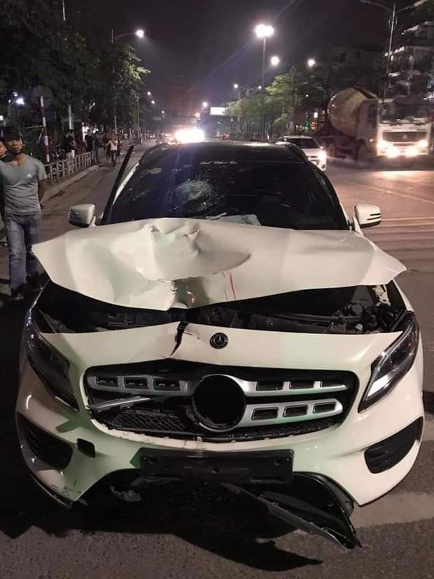 Hà Nội: Xe sang Mercedes tông người nguy kịch rồi bỏ trốn - Ảnh 1.