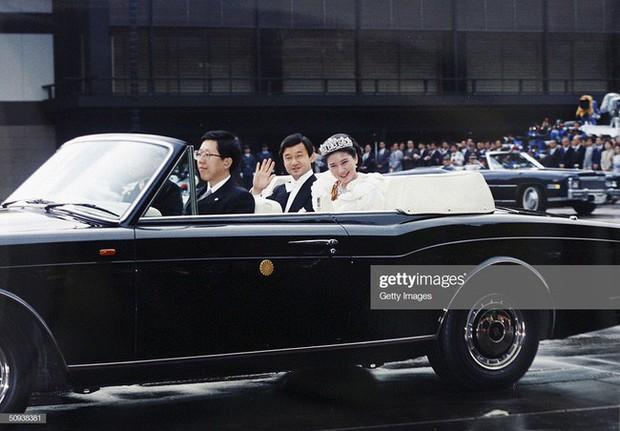 Tân Nhật hoàng Naruhito và vương phi u sầu Masako: Mối tình sét đánh, 6 năm theo đuổi, 3 lần cầu hôn và lời hứa bảo vệ em đến trọn đời - Ảnh 9.