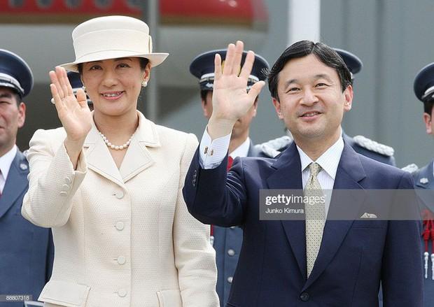 Tân Nhật hoàng Naruhito và vương phi u sầu Masako: Mối tình sét đánh, 6 năm theo đuổi, 3 lần cầu hôn và lời hứa bảo vệ em đến trọn đời - Ảnh 11.