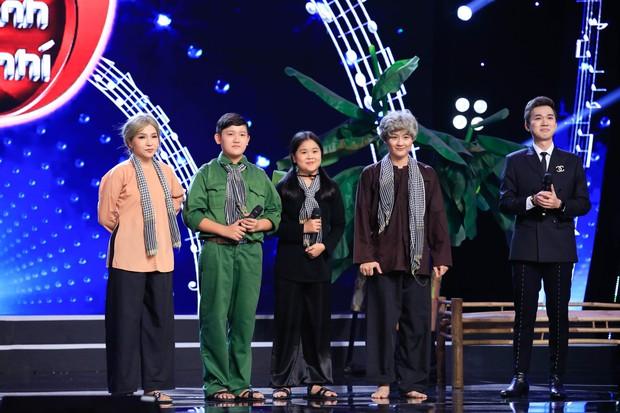 Tuyệt đỉnh song ca nhí: Học trò Hồ Việt trung bị viêm họng, phù dây thanh quản - Ảnh 9.