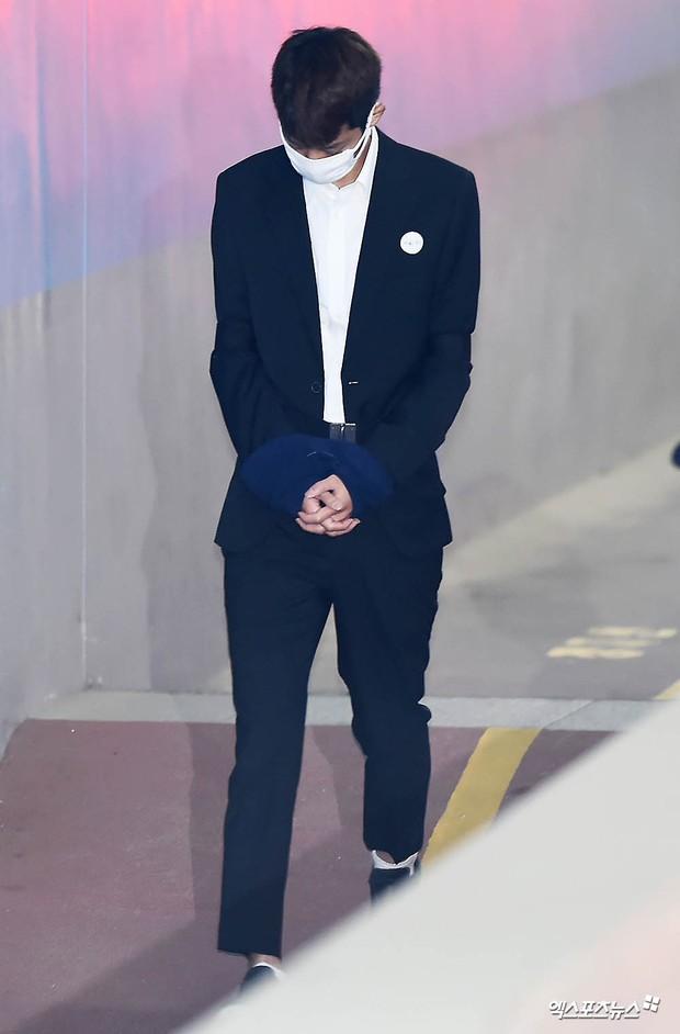Jung Joon Young có mặt tại phiên tòa đầu tiên sau 2 tháng bị bắt: Từ quay lén đến hiếp dâm tập thể, y đều thừa nhận! - Ảnh 1.