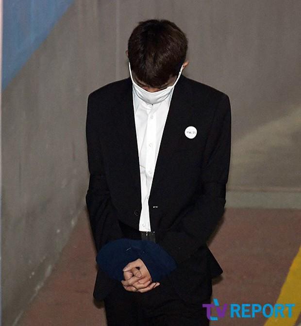 Jung Joon Young có mặt tại phiên tòa đầu tiên sau 2 tháng bị bắt: Từ quay lén đến hiếp dâm tập thể, y đều thừa nhận! - Ảnh 3.