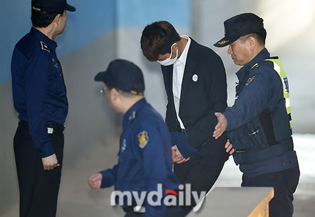 Jung Joon Young có mặt tại phiên tòa đầu tiên sau 2 tháng bị bắt: Từ quay lén đến hiếp dâm tập thể, y đều thừa nhận! - Ảnh 5.