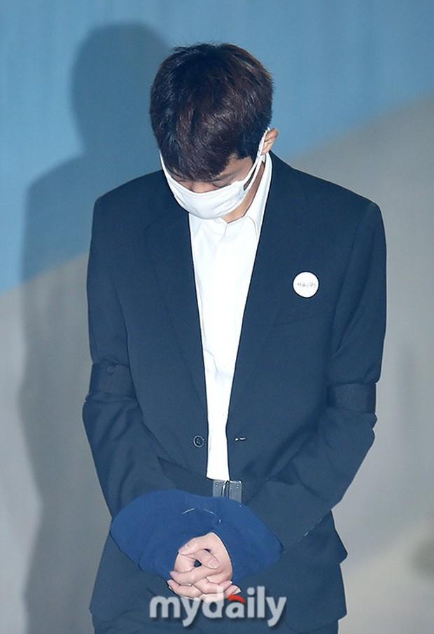 Jung Joon Young có mặt tại phiên tòa đầu tiên sau 2 tháng bị bắt: Từ quay lén đến hiếp dâm tập thể, y đều thừa nhận! - Ảnh 4.