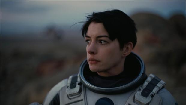 Nhìn lại vẻ đẹp nữ thần của công chúa Anne Hathaway trên màn ảnh - Ảnh 21.