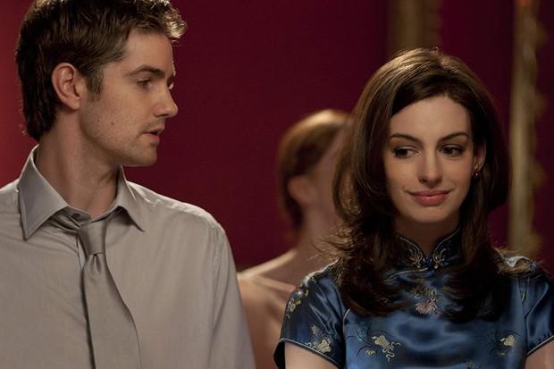 Nhìn lại vẻ đẹp nữ thần của công chúa Anne Hathaway trên màn ảnh - Ảnh 18.