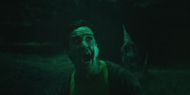 Soi nhanh 15 chi tiết đáng chú ý nhất trailer IT 2: Gã hề ma quái từng có con? - Ảnh 16.