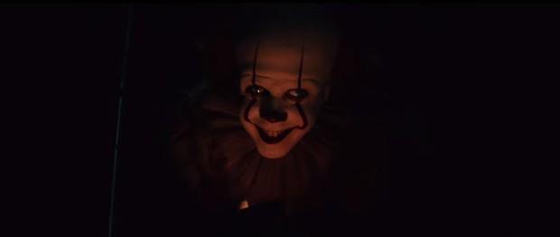 Soi nhanh 15 chi tiết đáng chú ý nhất trailer IT 2: Gã hề ma quái từng có con? - Ảnh 21.