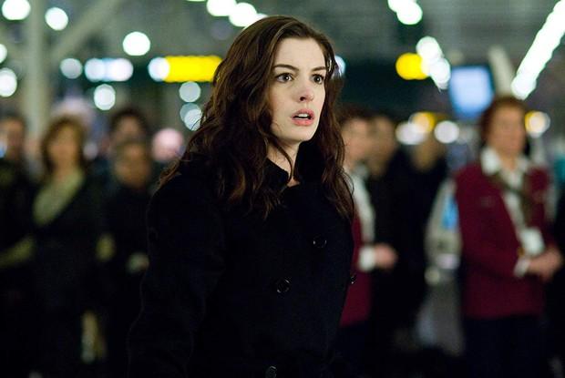 Nhìn lại vẻ đẹp nữ thần của công chúa Anne Hathaway trên màn ảnh - Ảnh 11.