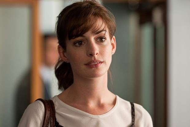 Nhìn lại vẻ đẹp nữ thần của công chúa Anne Hathaway trên màn ảnh - Ảnh 19.
