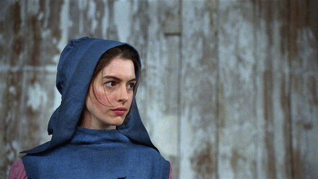 Nhìn lại vẻ đẹp nữ thần của công chúa Anne Hathaway trên màn ảnh - Ảnh 15.