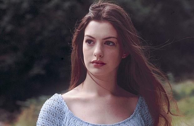 Nhìn lại vẻ đẹp nữ thần của công chúa Anne Hathaway trên màn ảnh - Ảnh 7.