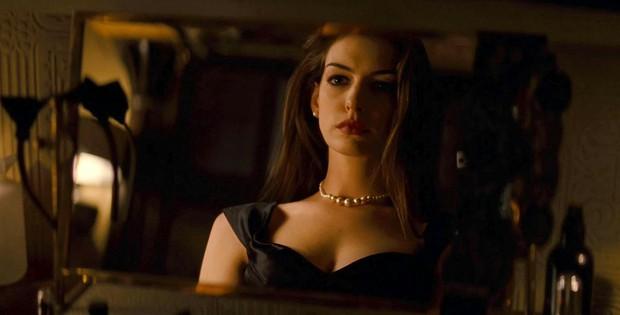Nhìn lại vẻ đẹp nữ thần của công chúa Anne Hathaway trên màn ảnh - Ảnh 20.