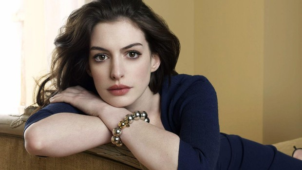 Nhìn lại vẻ đẹp nữ thần của công chúa Anne Hathaway trên màn ảnh - Ảnh 25.