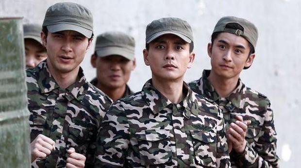 Trả lương bèo bọt như TVB: Xa Thi Mạn tháo chạy sang Trung Quốc, có người đổi nghề làm vệ sĩ cho Choi Si Won? - Ảnh 8.