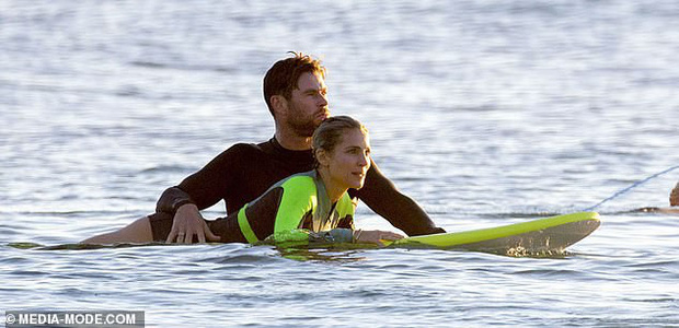 Gây sốt vì loạt ảnh ngọt ngào ấm áp bên vợ con, nhưng hàng Úc khủng của Chris Hemsworth lại chiếm hết cả spotlight - Ảnh 7.