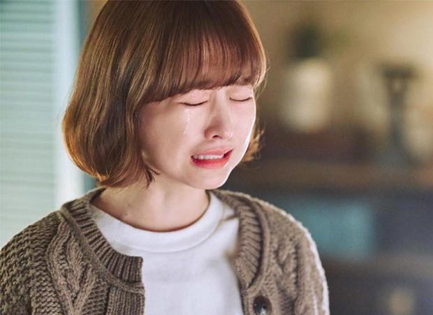 Park Bo Young trở lại với Abyss: Phát huy thế mạnh xéo sắc đáng yêu hay an toàn nhàm chán? - Ảnh 5.