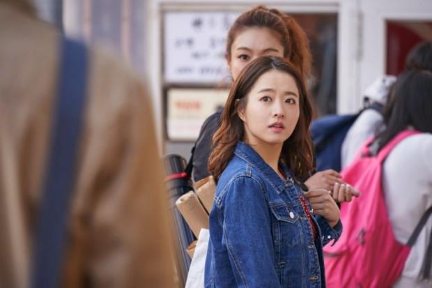 Park Bo Young trở lại với Abyss: Phát huy thế mạnh xéo sắc đáng yêu hay an toàn nhàm chán? - Ảnh 1.