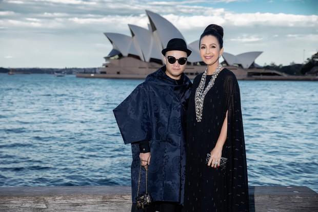 Show mới nhất của Đỗ Mạnh Cường tại Úc: Hà Tăng kín như bưng vẫn đẹp ngút trời, Mỹ Linh và Tiểu Vy trông đều khác lạ - Ảnh 13.