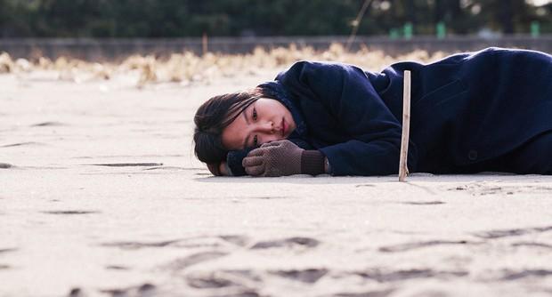 Kim Min Hee và đạo diễn già Hong Sang Soo: Cặp đôi ngoại tình bị nước Hàn ghét bỏ tự làm phim khóc cuộc tình mình? - Ảnh 10.