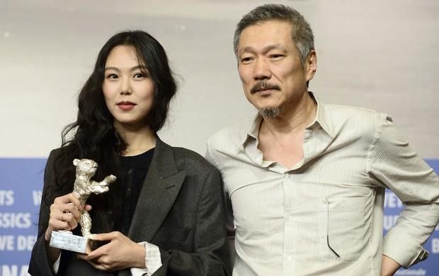 Kim Min Hee và đạo diễn già Hong Sang Soo: Cặp đôi ngoại tình bị nước Hàn ghét bỏ tự làm phim khóc cuộc tình mình? - Ảnh 7.