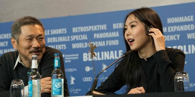 Kim Min Hee và đạo diễn già Hong Sang Soo: Cặp đôi ngoại tình bị nước Hàn ghét bỏ tự làm phim khóc cuộc tình mình? - Ảnh 17.