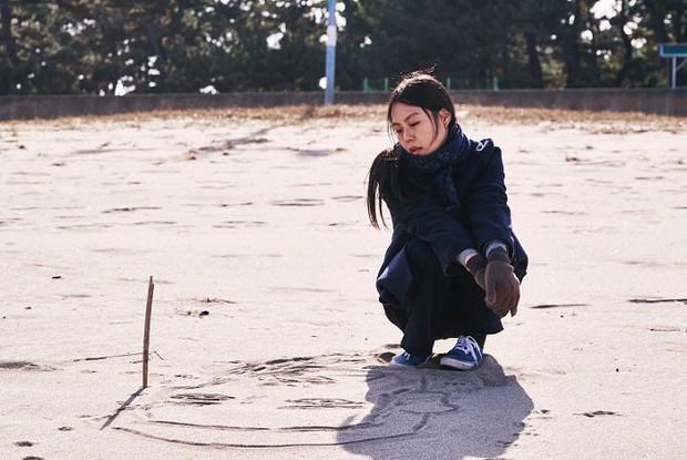 Kim Min Hee và đạo diễn già Hong Sang Soo: Cặp đôi ngoại tình bị nước Hàn ghét bỏ tự làm phim khóc cuộc tình mình? - Ảnh 8.