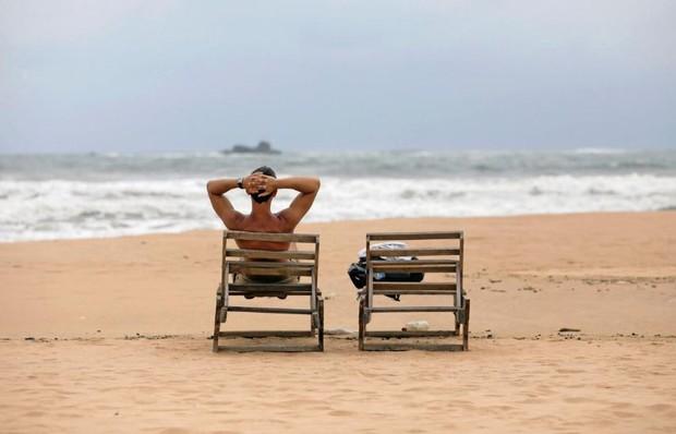 Sri Lanka: Khách sạn trống phòng, bãi biển đìu hiu sau vụ đánh bom - Ảnh 1.