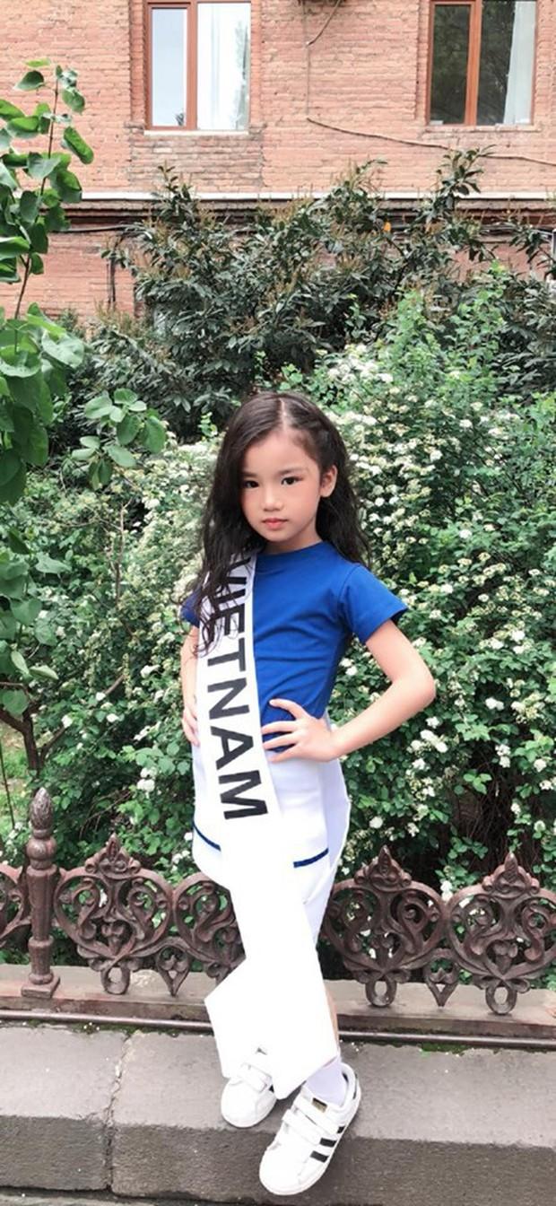 Nhan sắc đời thường trong trẻo của cô bé vừa đăng quang Hoa hậu Hoàn vũ nhí thế giới 2019 - Ảnh 2.