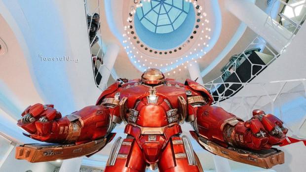 Muôn kiểu fan Marvel: Cuồng đến mức mở hẳn quán cà phê chứa đầy mô hình tiền tỷ! - Ảnh 5.